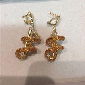 Jewelry - Delicate but fun earrings